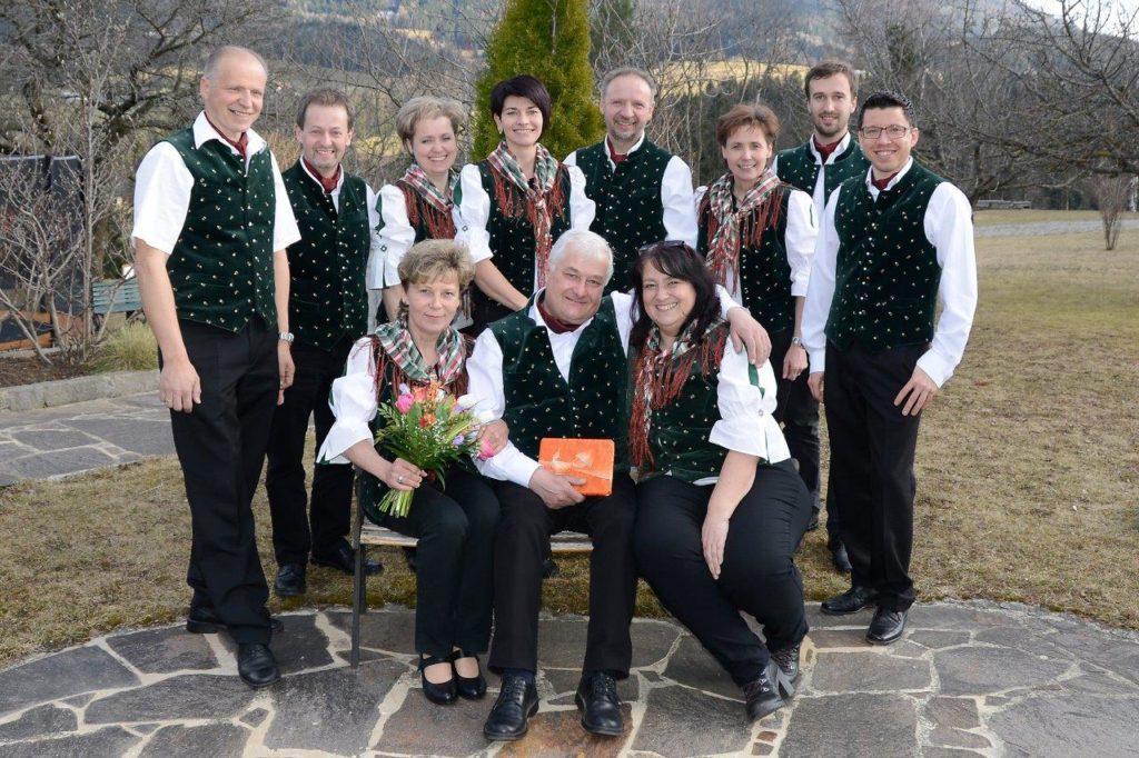 Singkreis-Semriach---Vorstand-mit-Obmann-aD-Pichler-Anton-u-Obm-Stv-Möstl-Christa---12-3-2017_DSC5377---kl